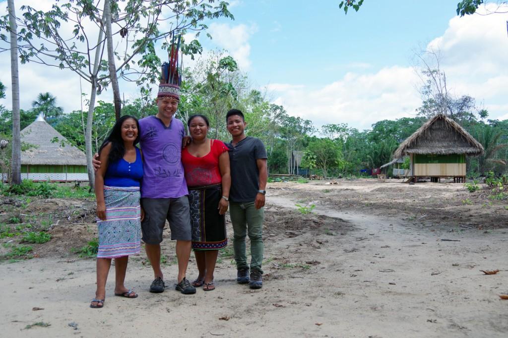 Tauno Jürgenstein šipibo indiaanlastega Amazonase džunglis