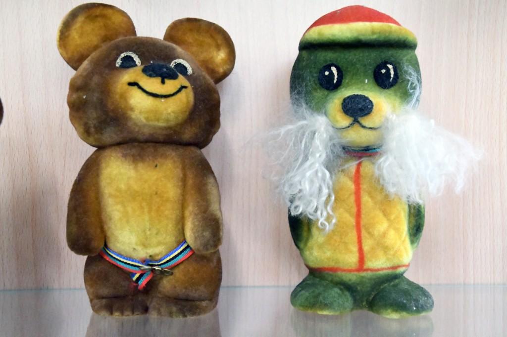Tiina Palmaru kogusse kuuluvad Polümeeri Miška ja Vigri peatuvad Sindi muuseumis Foto Urmas Saard