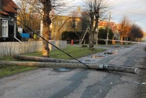 Tormi-iili pahandus Sindis, Raudtee tänaval Foto Urmas Saard
