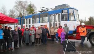 Põltsamaale toodi Tallinnast tramm. Fotod: Väino Valdmann