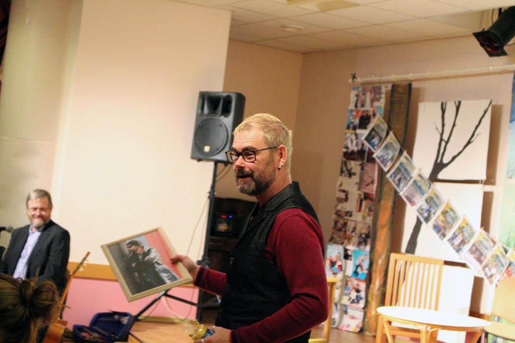 Trupi eestvedaja ja lavastaja Olev Rass. Foto Luule Tiirmaa