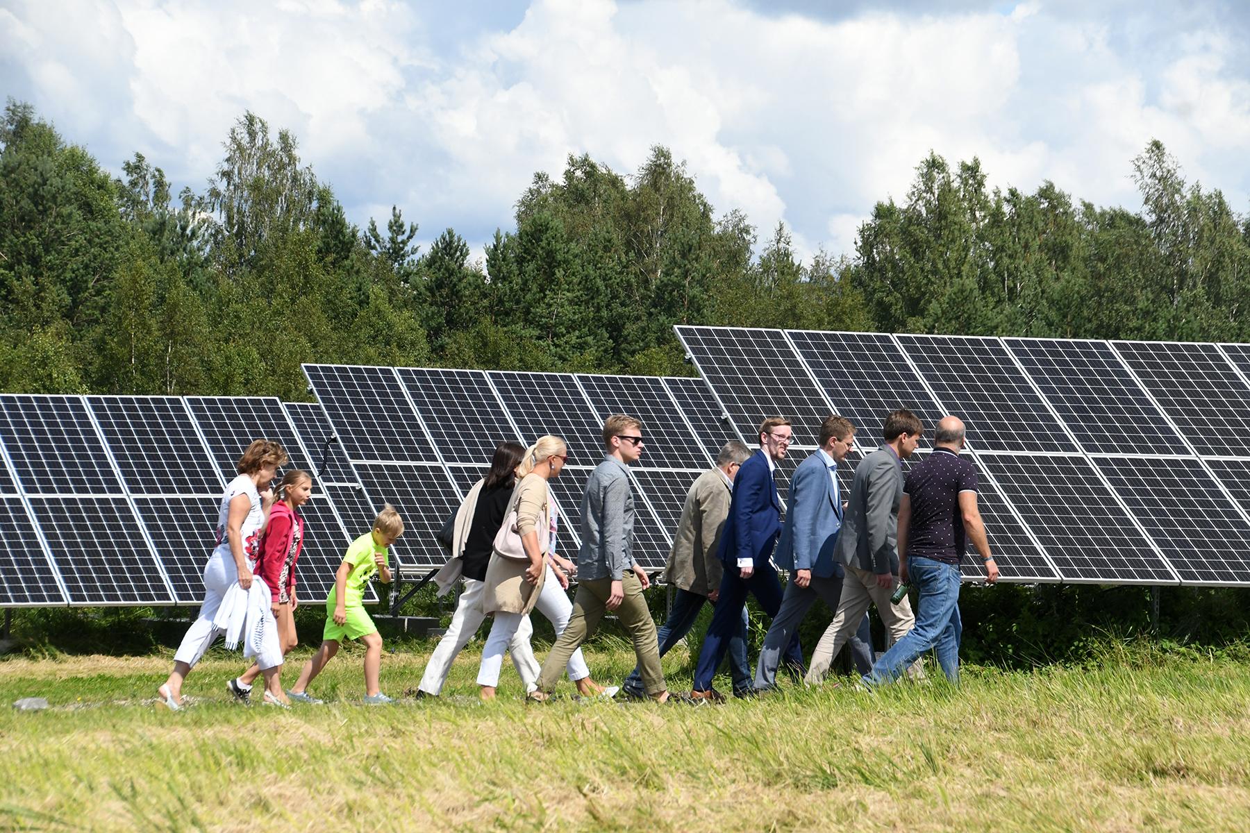 Tutvumine äsja Pärnus avatud Paikre päikesepargiga. Foto Urmas Saard