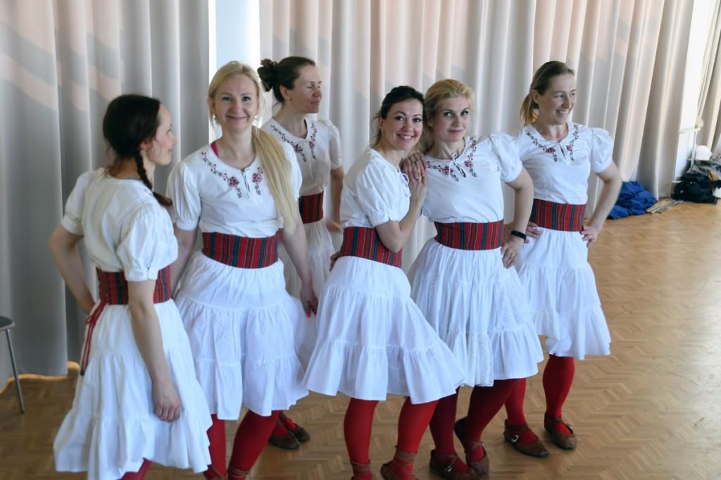 Tuurit-Tuurit harjutuslaagris Pärnu Koidula gümnaasiumi aulas Foto Urmas Saard