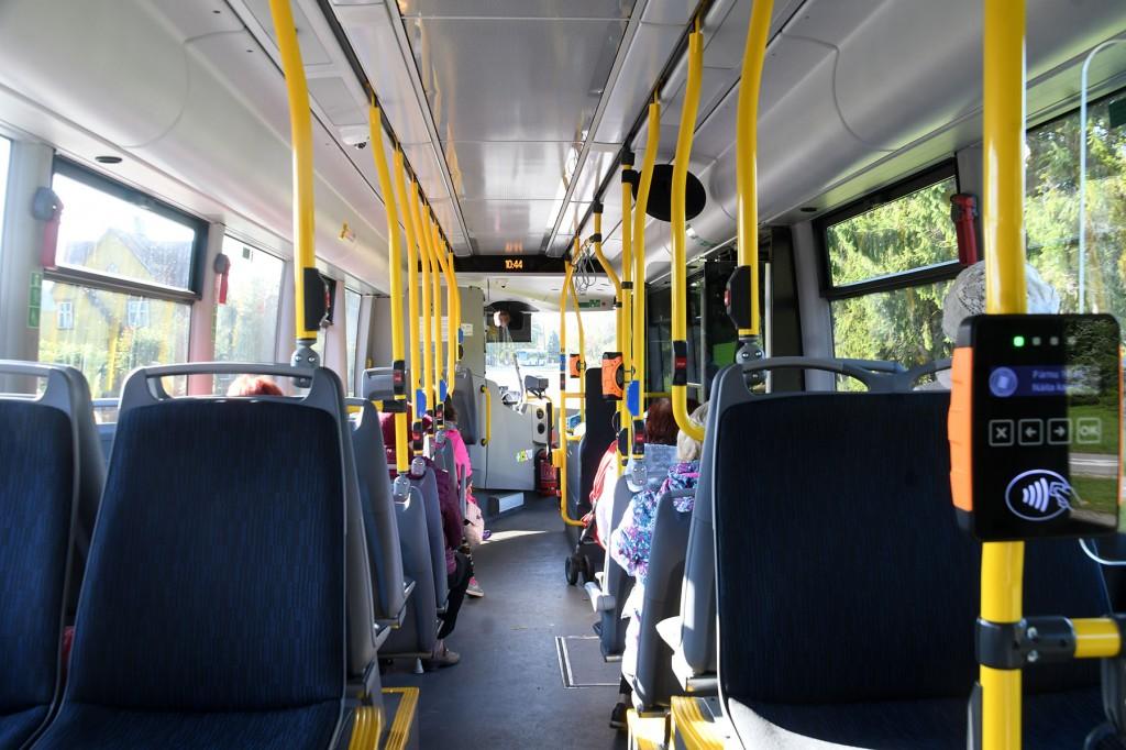 Uus Scania buss Sindi-Pärnu-Sauga neljakümnendal liinil. Foto Urmas Saard