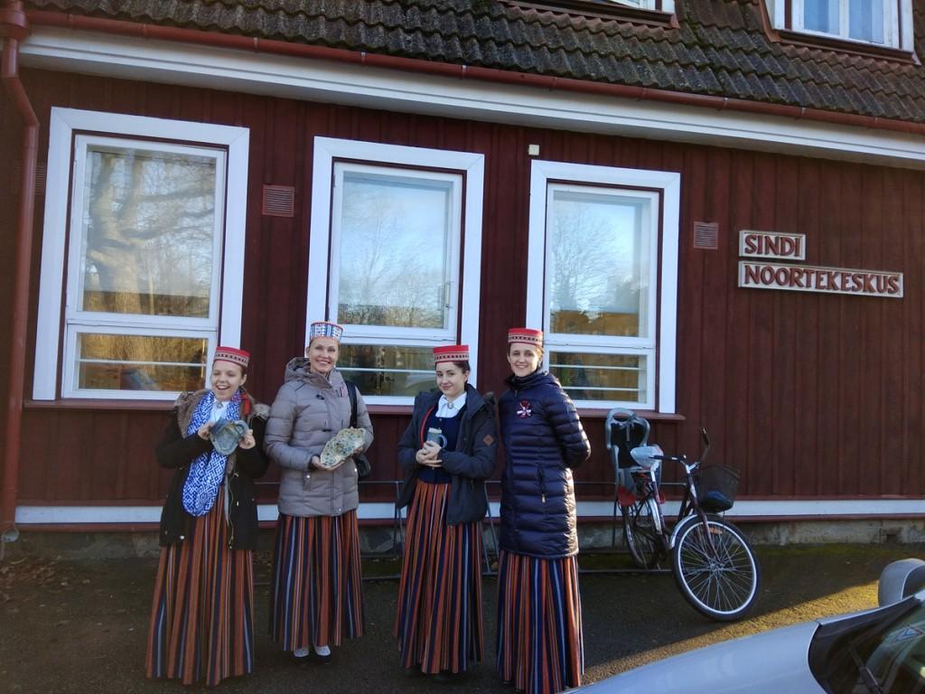 Võnnu muusikakeskkooli kandlemängijad Sindis Foto Marina Mesipuu