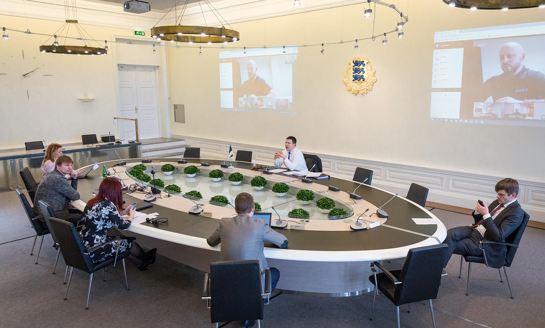 Videokonverents regioonide juhtidega. Foto: Stenbocki maja