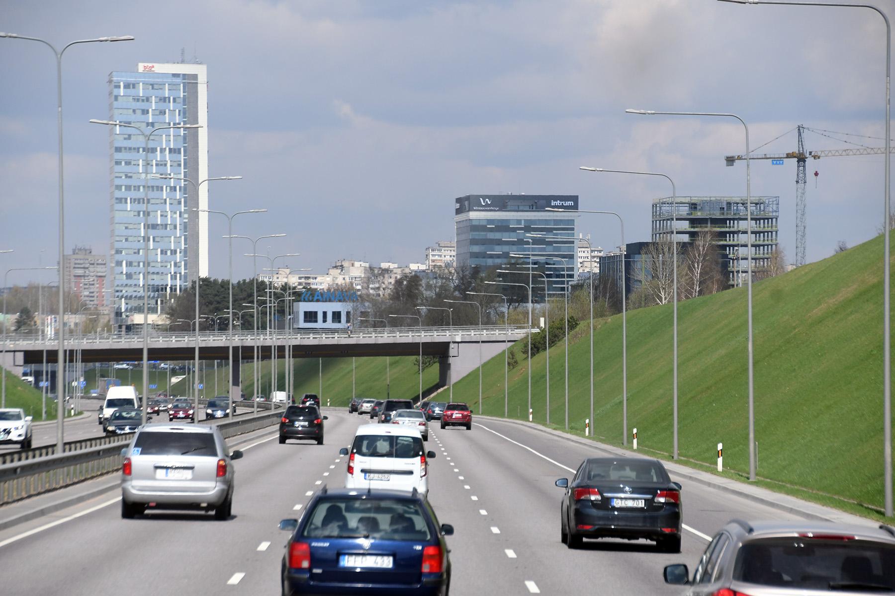 Vilnius vaadatuna läbi bussiakna. Foto: Urmas Saard /  Külauudised