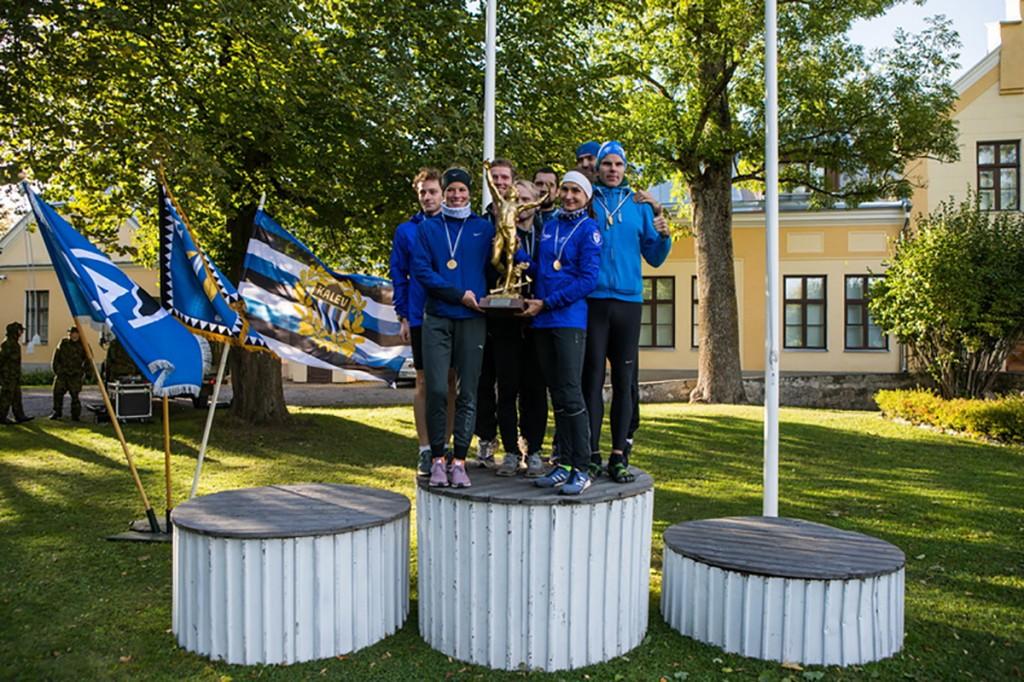 XIX Kindral Johan Laidoneri Olümpiateatejooksu üldvõitjaks tuli Jooksusõprade võistkond Foto Eesti Kaitsevägi