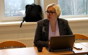 Sotsiaalministeeriumi tervishoiuosakonna nõunik Piret Simmo tutvustas toetusmeetme tingimusi.