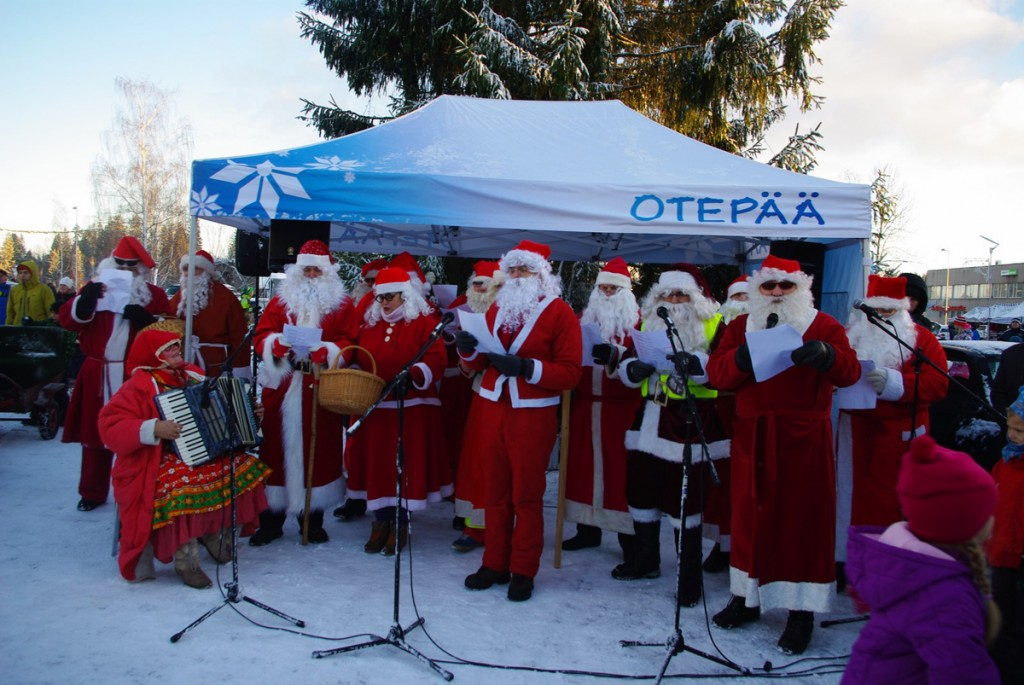 jõuluvanade kokkutulek Otepääl 2014 aastal Foto Monika Otrokova