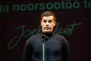 Joel Juht pälvis Tartu tunnustuse eduka noorsootöö eest.