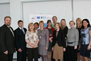 Õnnelikud projektipartnerid avakonverentsil Madonas 08.05.2013