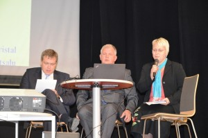 Vasakult: Lauri Hussar, Urmas Kristal ja Triin Matsalu.